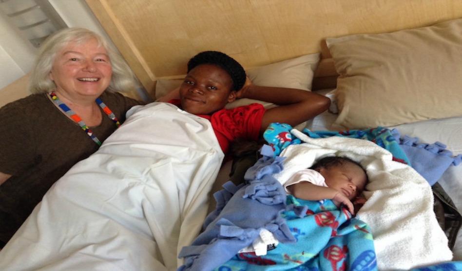 Mujer ayuda con dos nacimientos en dos templos SUD