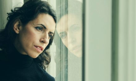 Cuando el Día de la Madre es Difícil: Pensamientos de una Mujer Soltera de 40 Años