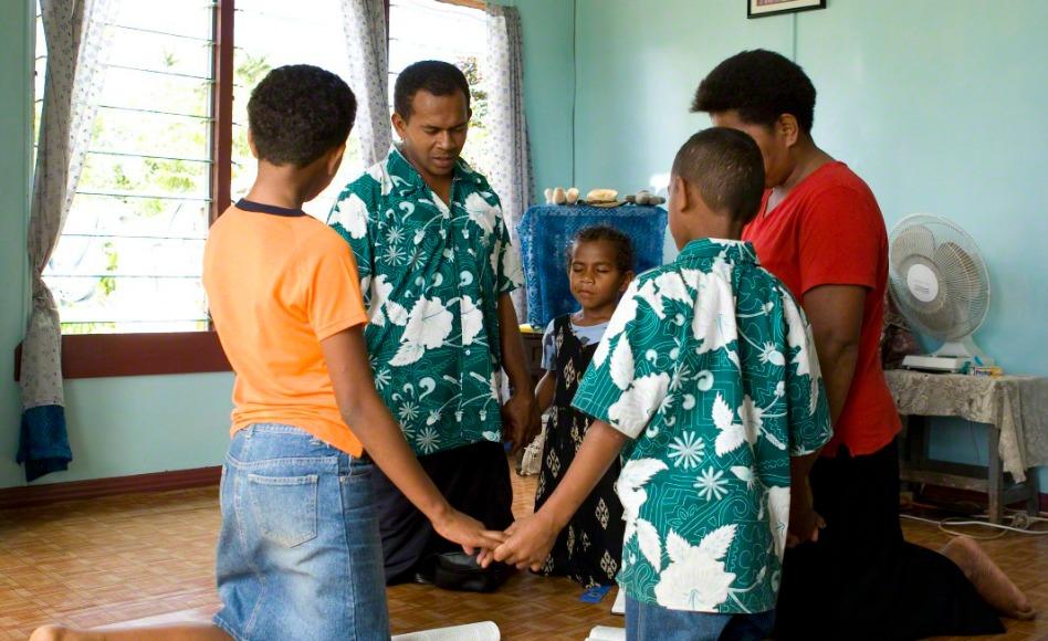 7 Maneras de ayudar a tus niños a ser más fuertes e independientes.
