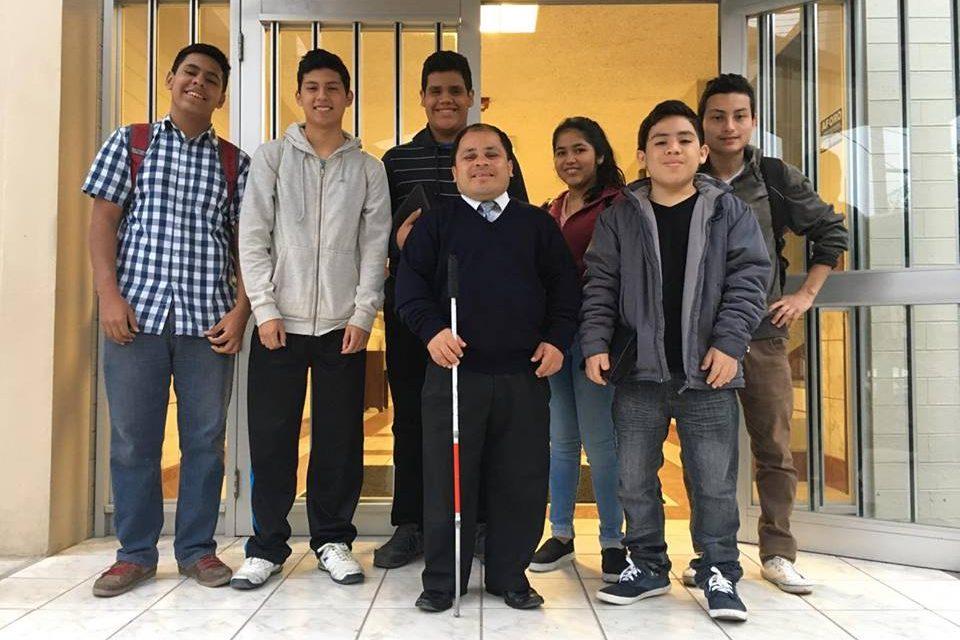 Shanir: El maestro de seminarios ciego con una gran visión espiritual