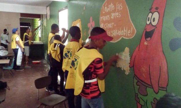 Mormones realizan mejoras en un orfanato de República Dominicana