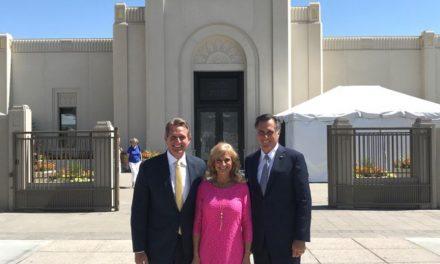 Dignatarios de México, Guatemala y Estados Unidos, visitan el nuevo Templo Mormón deTucson Arizona