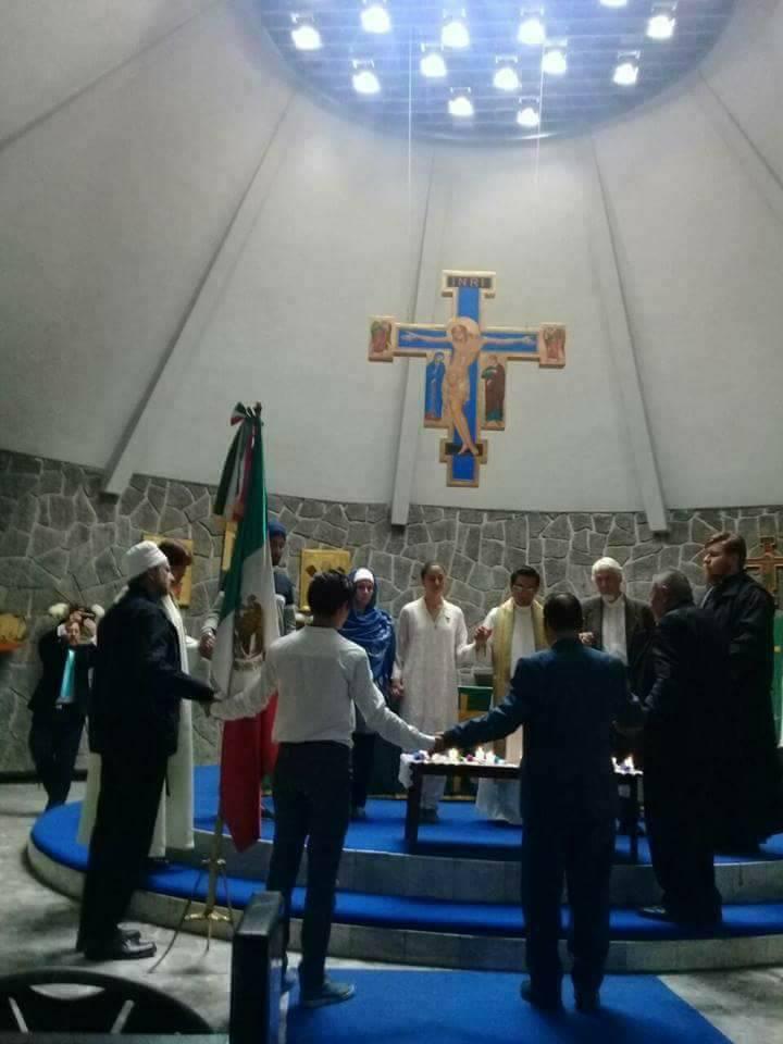 Mormones oran por la Paz y por México