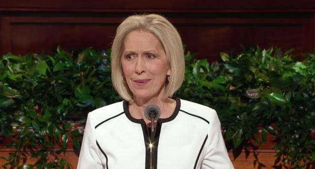 La hermana Jones comparte un mensaje poderoso sobre el valor del alma, la madre celestial un día después del funeral de su hijo
