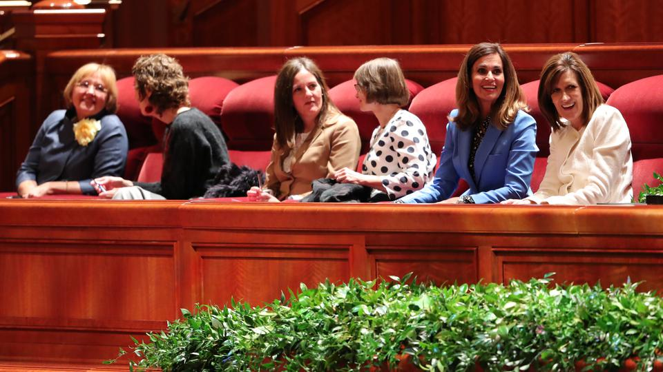La Sociedad de Socorro y la Primaria reciben nuevos Consejos Generales