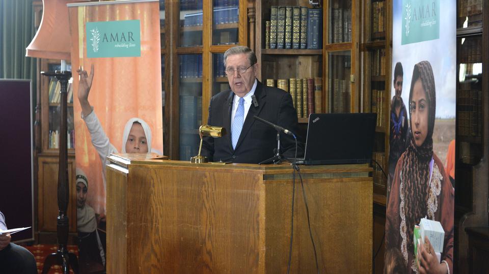 Élder Holland habla en la Conferencia de Windsor sobre cómo ayudar a los Yazidis