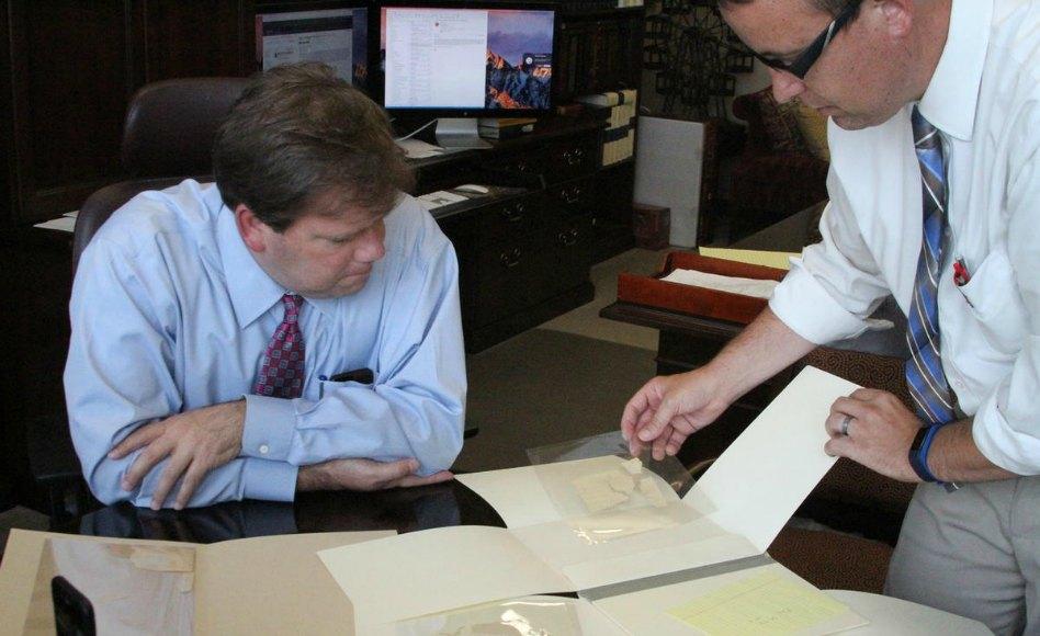 El Depto. de Historia de la Iglesia adquiere nuevos fragmentos del Manuscrito original del Libro de Mormón