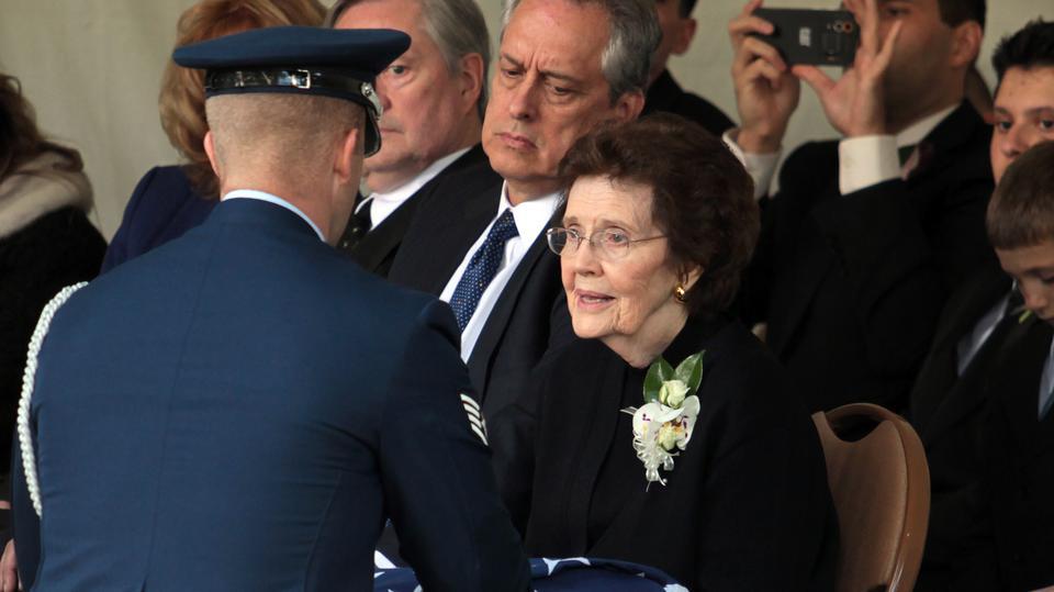 Funeral de élder Hales