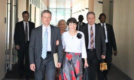 Élder Bednar Dedica Un Nuevo Centro de Capacitación Misional En Ghana
