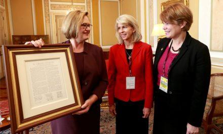 Primera Dama del Perú Se Reúne Con Líderes Generales De La Sociedad De Socorro y Mujeres Jóvenes