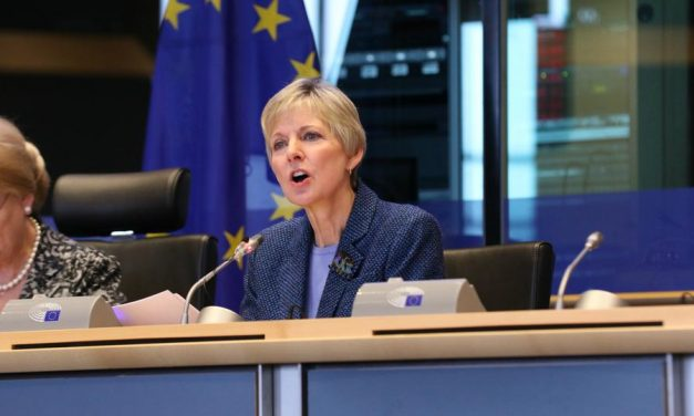 Líder de las mujeres mormonas habla en la conferencia del Parlamento Europeo