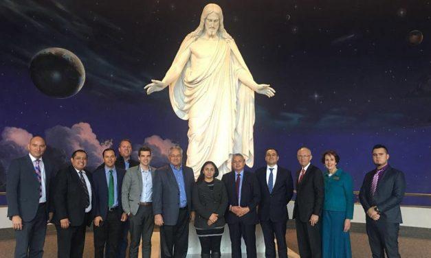 Políticos y Empresarios Mexicanos Visitan Los Principales Lugares Mormones