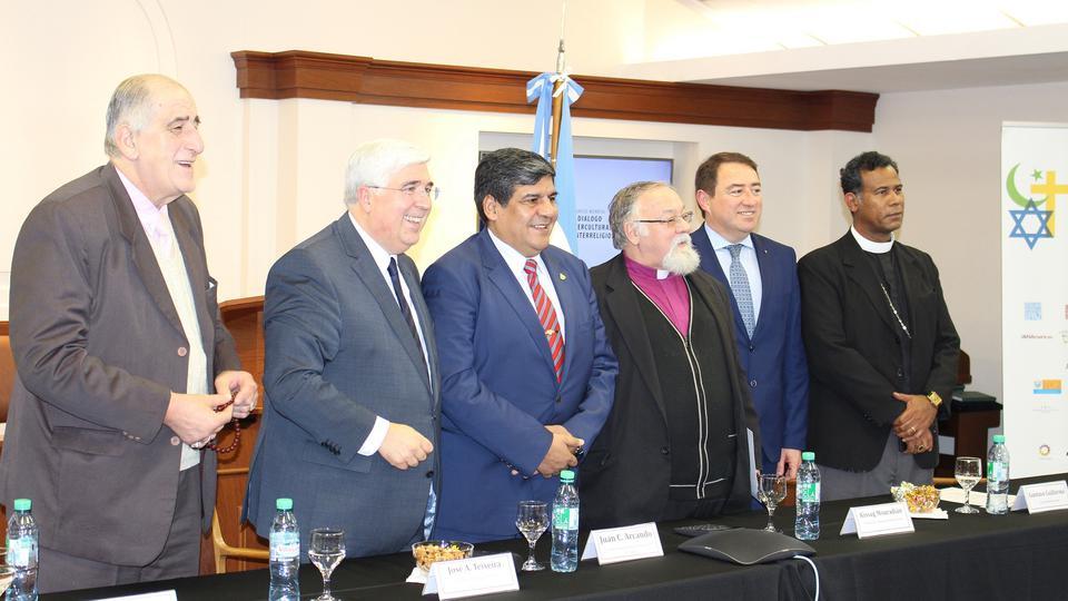 El Congreso fue transmito en muchos centros de reuniones mormones en Argentina