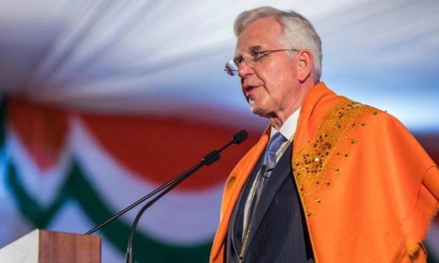 La Religión ayuda a las Familias, las Comunidades y las Naciones, dice el élder Christofferson
