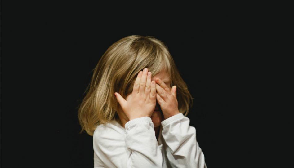 Criar Niños Inocentes en Mundo Tóxico