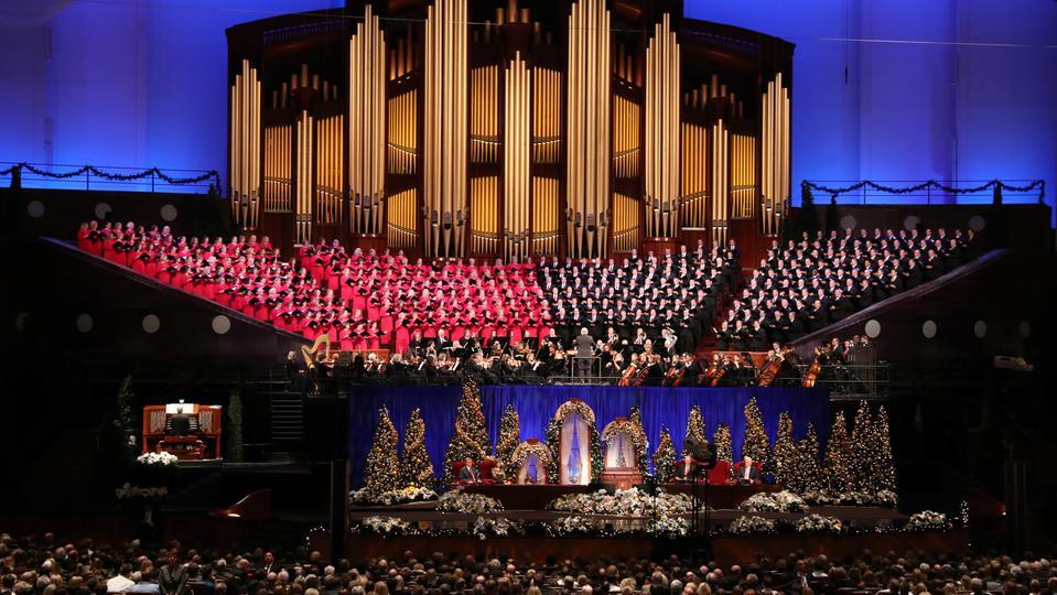 El nacimiento de Cristo se celebra en el Devocional de Navidad de la Primera Presidencia