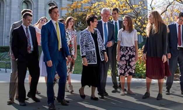 El presidente y la hermana Uchtdorf se dirigirán a los jóvenes adultos en el devocional mundial de enero del 2018