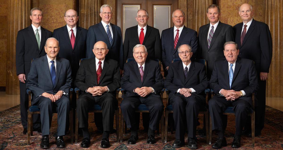 El Cuórum de los Doce Apóstoles rinde tributo al Pdte. Monson