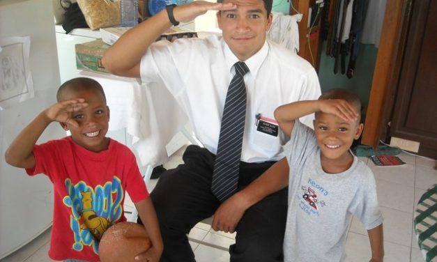 Más misioneros regresan a Puerto Rico después de los huracanes