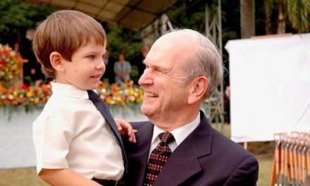 Un vistazo sobre la vida del Presidente Nelson: enfrentando conflictos y sirviendo a los demás
