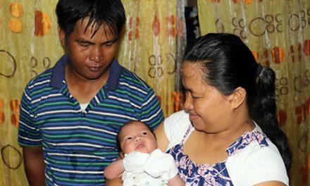 Después de perder a su única hija en el tifón haiyan, pareja mormona encuentra alivio a través del apoyo de la Iglesia