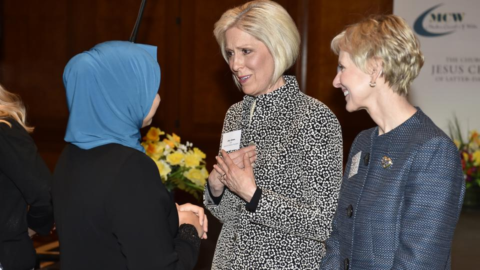 Lideresas mormonas participan de la Conferencia Mundial Femenina Interreligiosa