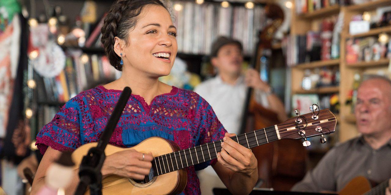 Natalia Lafourcade cantará con miles de mormones