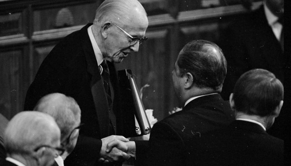 Los presidentes Benson, Faust y Packer junto con los élderes Perry y Haight reflexionan sobre sus llamamientos como apóstoles