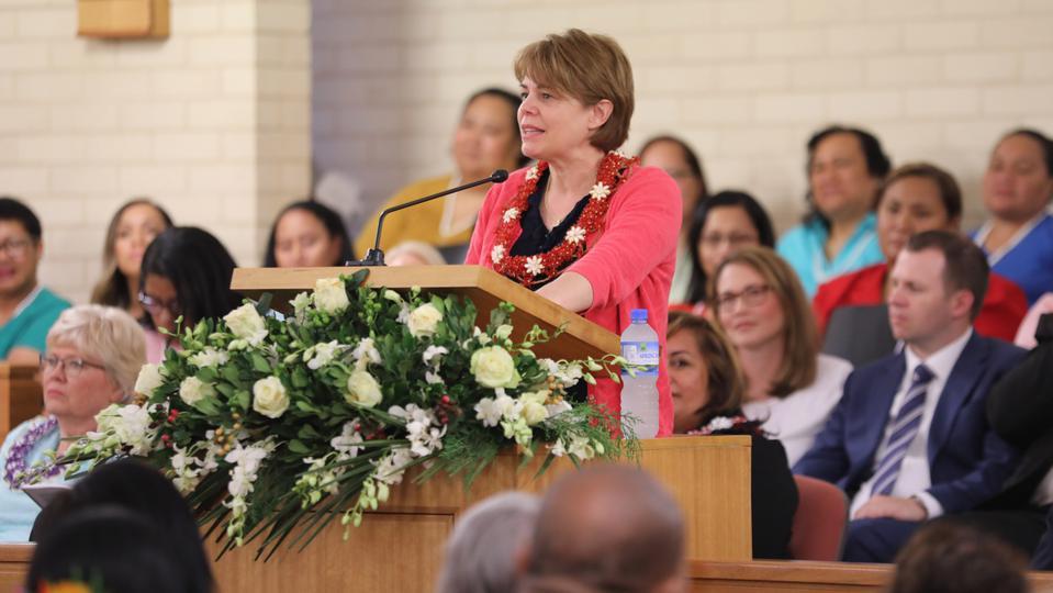 El contundente discurso de la líder general de la Sociedad Socorro en Australia