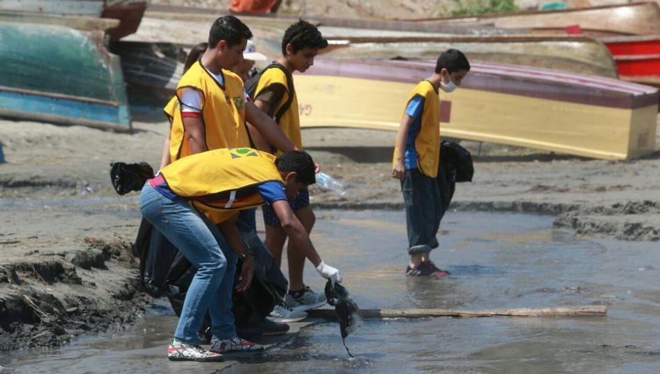 limpieza de playas en Lima