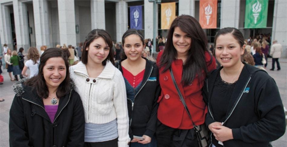 mujeres jovenes