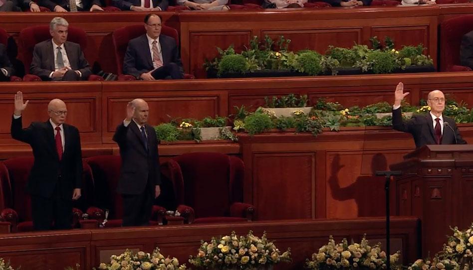 Mormones sostienen a nuevo Profeta y un Apóstol Latino