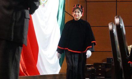 Santa de los Últimos Días es galardonada por el Gobierno en México
