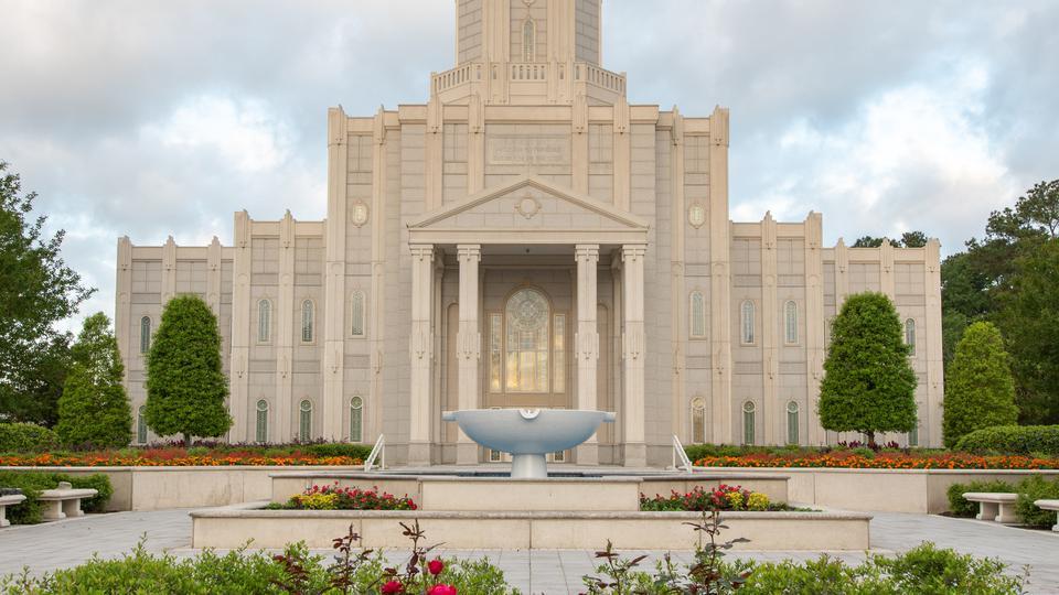 El templo de Houston Texas es rededicado después del Huracán Harvey