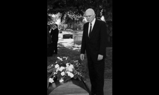 3 bellos recuerdos del Presidente Dallin H. Oaks que lo ayudaron después del fallecimiento de su esposa