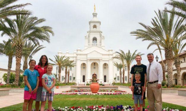 El cómo y el por qué una pareja asistió a 75 Templos de la Iglesia de Jesucristo en 75 meses