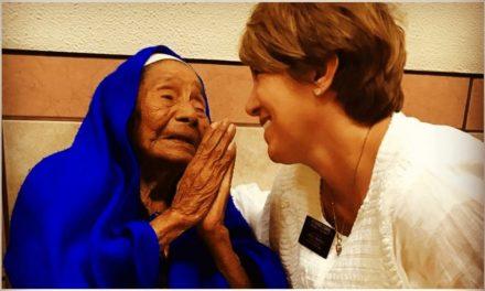 Mexicana de 110 años es bautizada en la Iglesia de Jesucristo de los Santos de los Últimos días