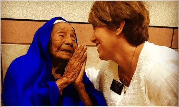 Mexicana de 122 años es bautizada en la Iglesia de Jesucristo de los Santos de los Últimos días