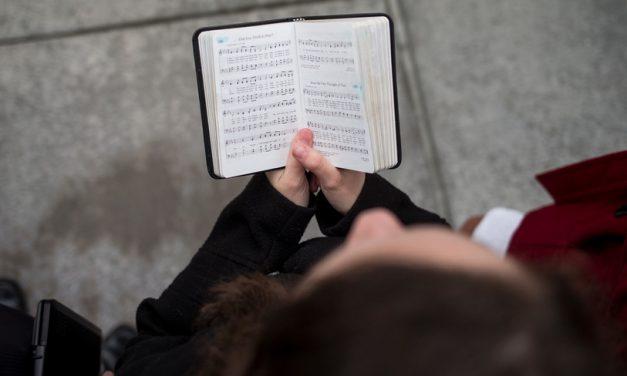 Defendiendo la fe: ¿Son los mormones musicalmente cristianos? – Los Himnos SUD