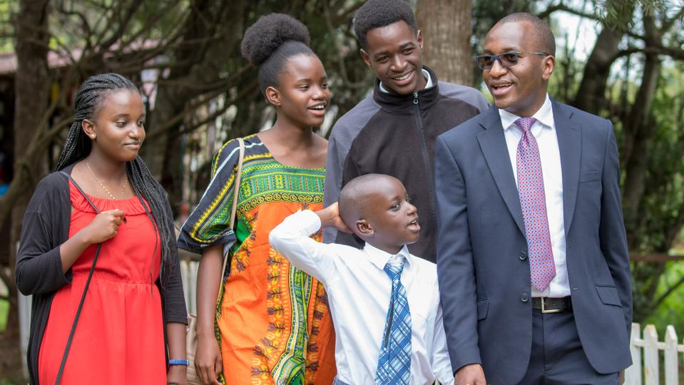 presidente Nelson llega a África