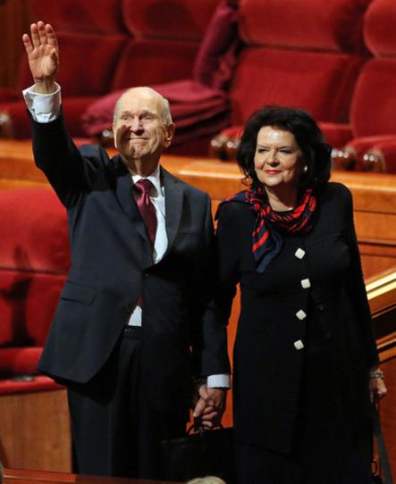 presidente y la hermana Nelson