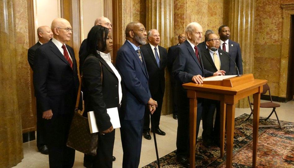 Líderes mormones y de la NAACP piden armonía racial