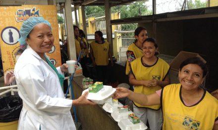 Mormones celebran el día de la madre en un hospital en El Salvador