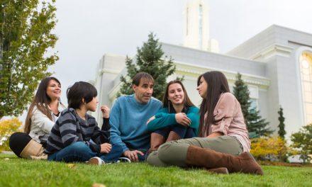 La Iglesia de Jesucristo premia a instituciones que fortalecen a las familias en España