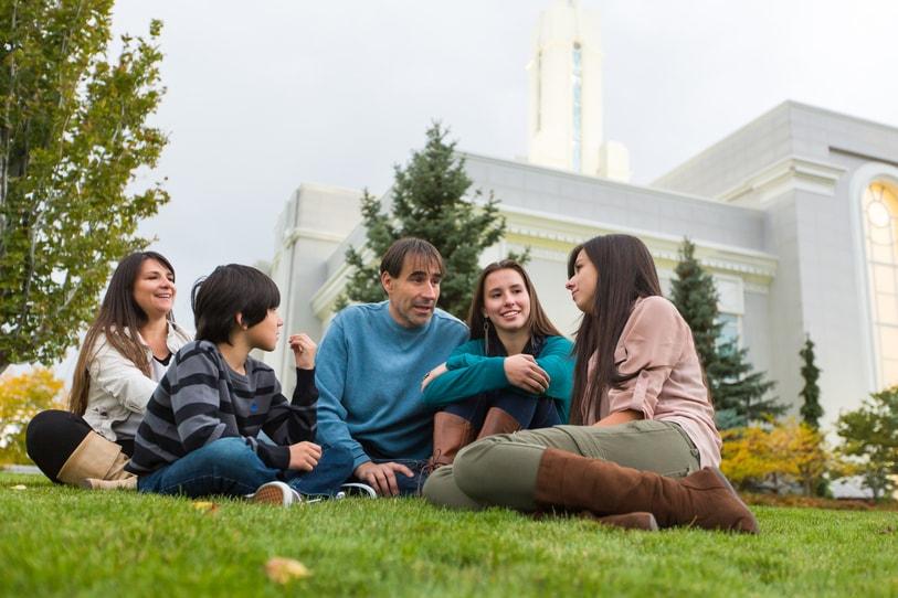 El premio Valores Familiares es un reconocimiento que la Iglesia de Jesucristo otorga a las instituciones que fortalecen a las familias en España.