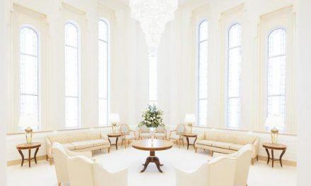 De pie en un salón celestial, esta familia negra obtuvo un hermoso testimonio un año antes de la revelación sobre el sacerdocio