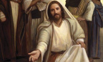 Más que un Salvador: Los 13 títulos de Cristo que nos enseñan a ser una luz para el mundo