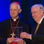 Mormones honran al líder católico, Cardenal Donald Wuerl