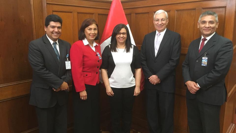 Primera Dama en Perú y líderes mormones