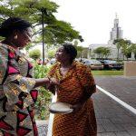 Elder Ahadjie y miembros de ghana